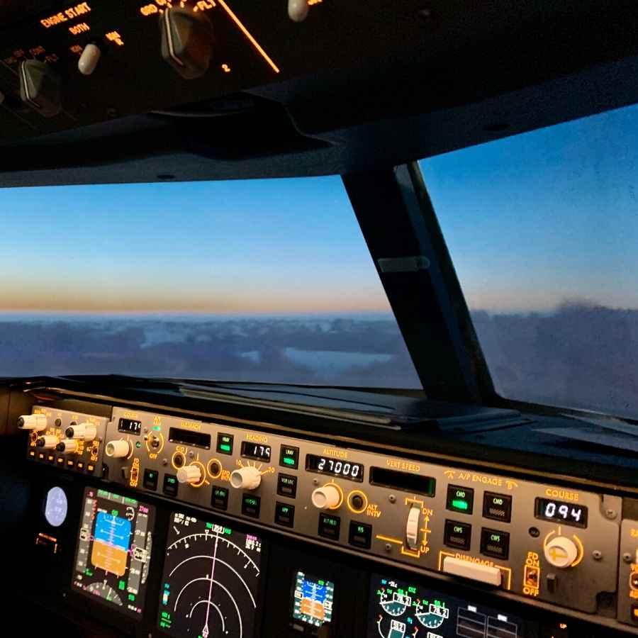 night time flight simulator